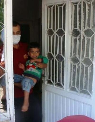 Evde mahsur kalan çocuğu itfaiye kurtardı