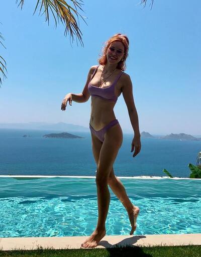Zeynep Sever Demirel, kızına yüzme öğretti