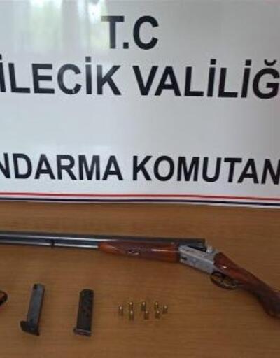 Yasa dışı silah satan şüpheli gözaltına alındı