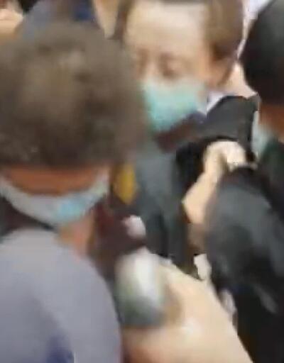 Tayvan Parlamentosu karıştı! Vekiller birbirine girdi