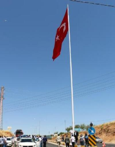 15 Temmuz'da, 70 metrekarelik Türk bayrağı dalgalandırıldı