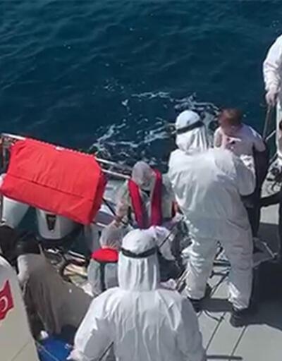 Türk kara sularına geri itilen 40 sığınmacı kurtarıldı