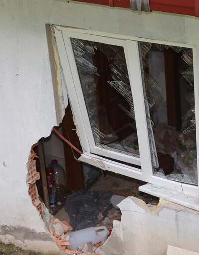 Kaya parçasının çarptığı evdeki 5 kişiyi çamaşır makinesi kurtardı