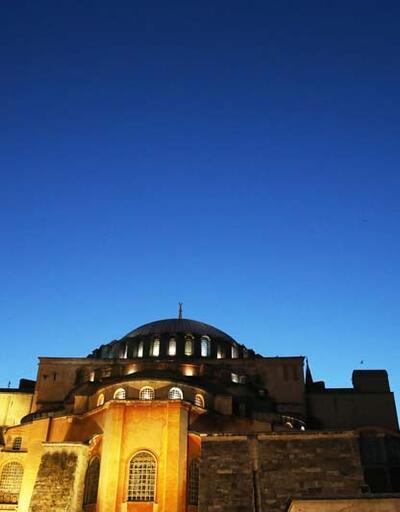 Ayasofya Camisi'nde açılış hazırlıkları sürüyor