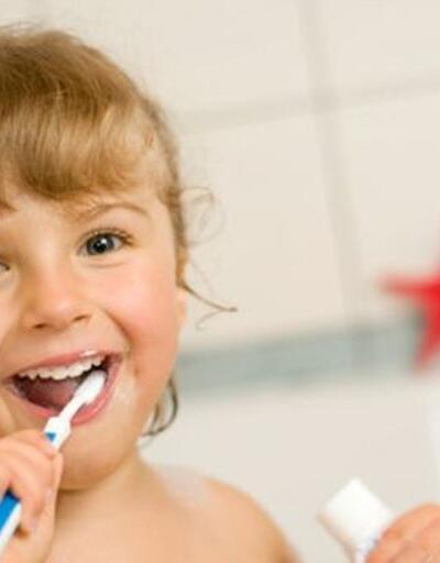 Çürümeyi engelliyor, dişlerin temizlenmesine yardımcı oluyor!