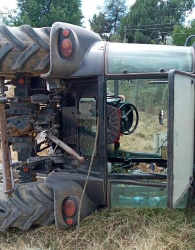 Traktör trafonun üzerine devrildi