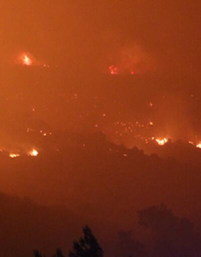 Son dakika haberi... Menderes'te rüzgarın etkisiyle alevler tekrar büyüdü!