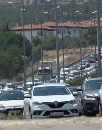 Bayram tatilinin bitmesiyle yollarda trafik oluştu | Video