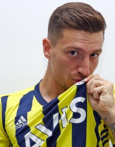 Mert Hakan'dan Galatasaray'a gönderme
