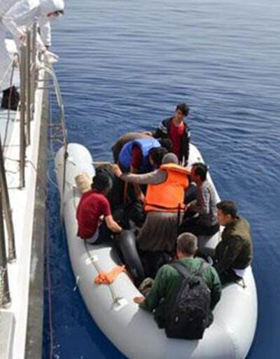 Son dakika... Muğla'da Türk kara sularına itilen 9 sığınmacı kurtarıldı