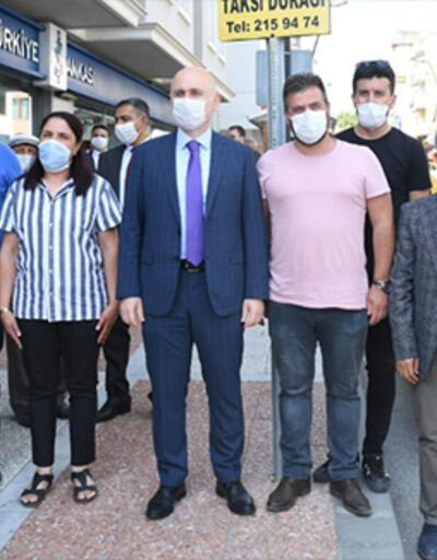 Bakan Karaismailoğlu Uşak'ın tek kadın taksicisini ziyaret etti