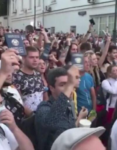 Belarus'ta seçimler sona erdi, protestolar başladı | Video