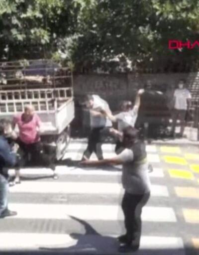 Alacak verecek kavgası kamerada | Video