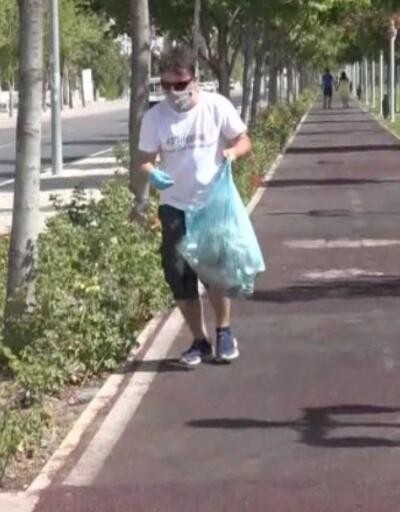 """Akademisyen """"Plogging"""" sporuyla çevreyi temizliyor   Video"""
