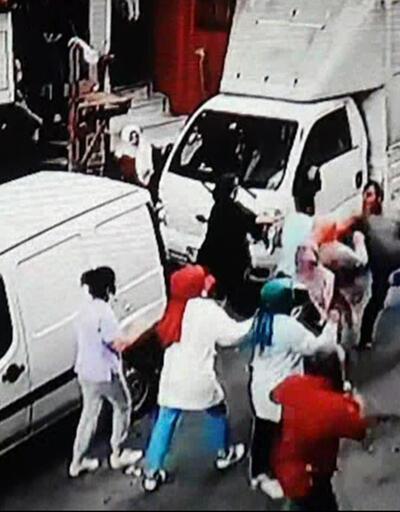 Son dakika: Esenler'de komşular birbirine girdi | Video