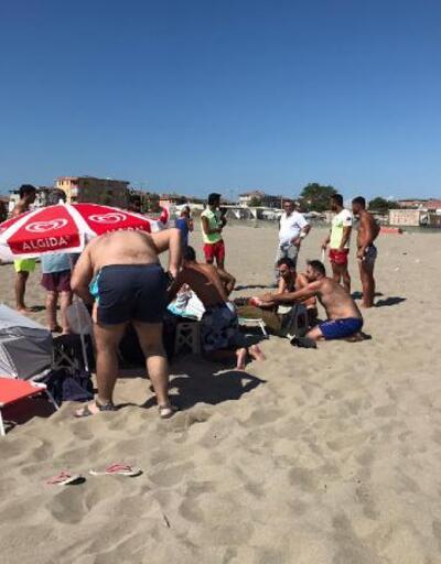 Son dakika... Plajda komşularını bıçakladı