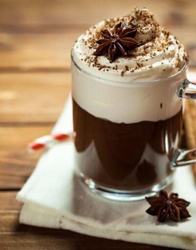 Kahveye eklenen krema, vanilya ve şuruptaki tehlike!