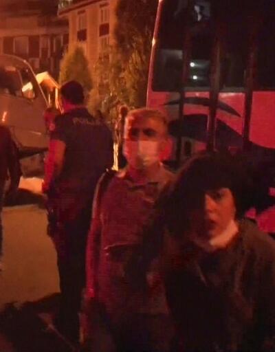Çekim yapan gazetecilere, 'seni buradan silerim' diyerek saldırdı | Video