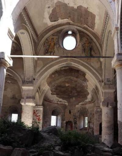 Son dakika... Definecilerin tahrip ettiği tarihi kilise, restore edilecek