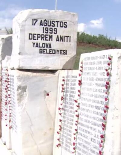 17 Ağustos'ta yine aynı hüzün. 1999 depreminde hayatını kaybedenler anıldı   Video