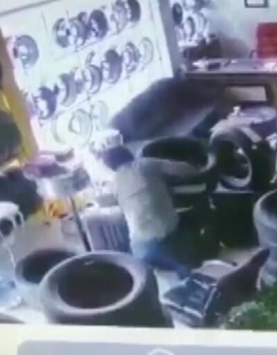 Girdikleri dükkanı saniyeler içinde soydular   Video