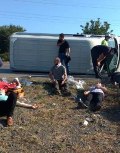 Son dakika... Samsun'da işçileri taşıyan minibüs devrildi: 16 yaralı