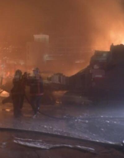 Ankara'da kargo deposunda yangın | Video