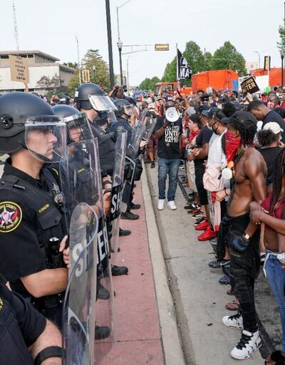 ABD'de protestolar sürüyor: Ulusal muhafızlar göreve çağrıldı