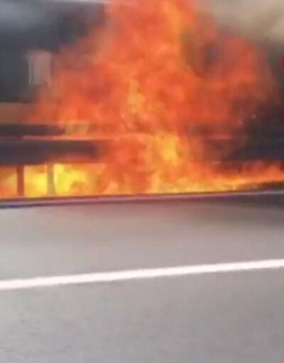 Son dakika... Metrobüs'te yangın | Video