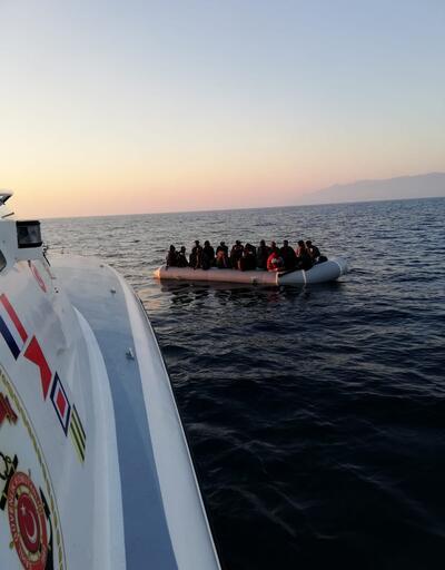 Yunanistan'ın Türk karasularına ittiği 68 kaçak göçmen kurtarıldı