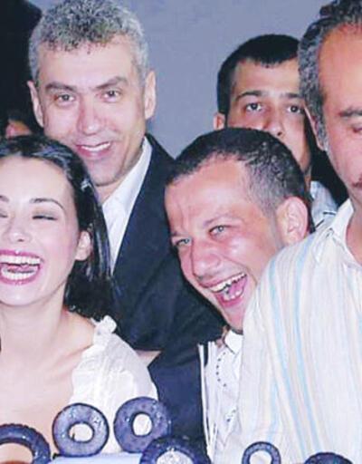 Özgü Namal ile Yılmaz Erdoğan arasında soğuk rüzgarlar