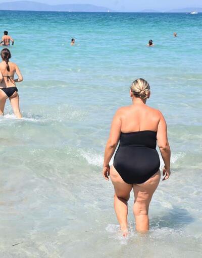 Son dakika... Kavurucu sıcakta bunalanlar Ilıca Plajı'nı doldurdu