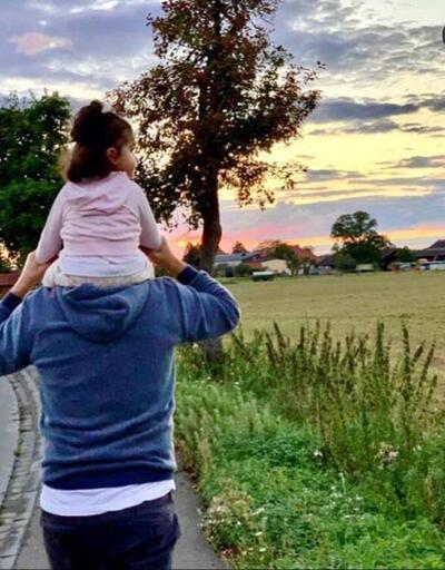 Tarkan kızı Liya ile fotoğrafını paylaştı: Doğa yürüyüşlerimize devam