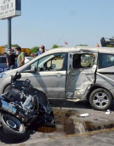 Son dakika.. Yunus timi ile takibe aldıkları araç çarpıştı, 2'si polis 3 kişi yaralandı