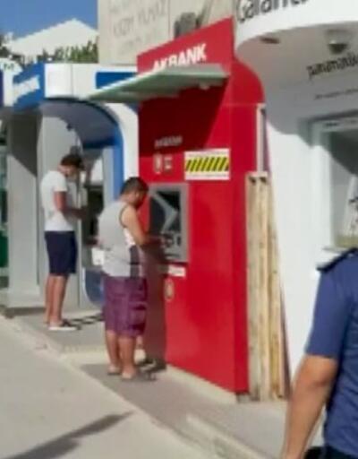 Emniyet müdüründen ATM'den maskesiz para çeken vatandaşa uyarı: 1000 TL fazla çek | Video