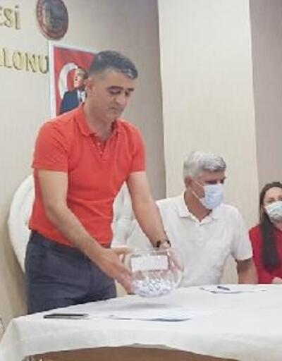 Karakoçan'da kadın çiftçilere süt sağım makinesi dağıtıldı