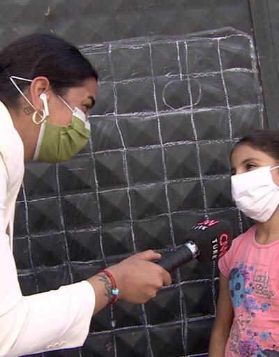 Çocuklar okul kapısını tahta yaptı, ders çalıştı | Video