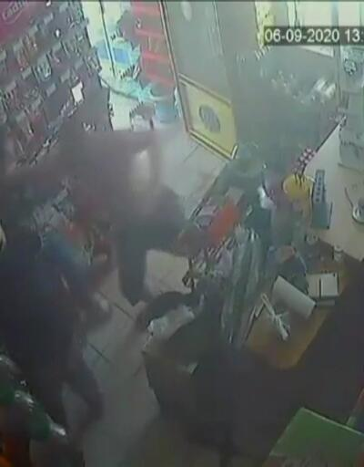 Taciz ettiği kadını öldüresiye dövdü   Video