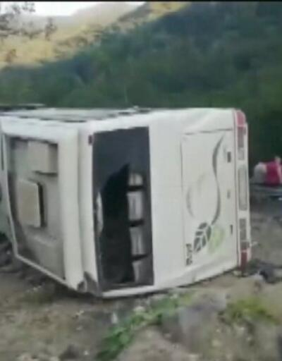 İşçi otobüsü devrildi: 1 ölü   Video