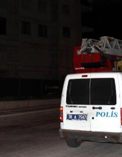 İntihara kalkışan genci polis ikna etti