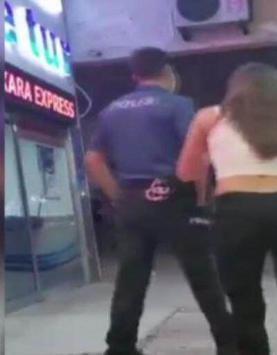 Son Dakika: Alkollü şahıs iki polis memurunu ısırarak yaraladı | Video