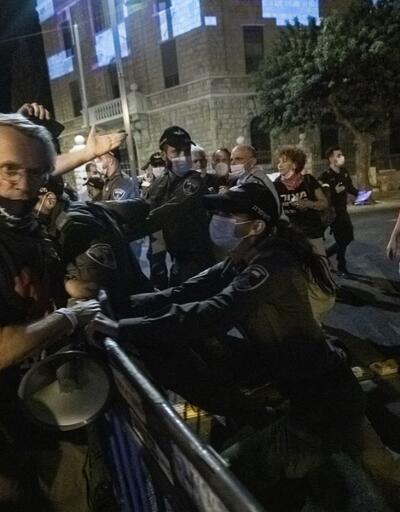 İsrail'de karantinaya rağmen Netanyahu karıştı gösteriye binlerce kişi katıldı