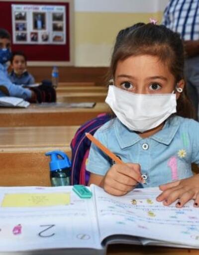 Malatya'da öğrenciler kayısı ve kayısı çekirdeği ile ders başı yaptı