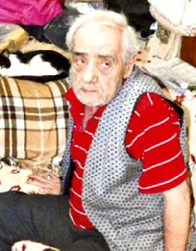 Ebru Gündeş babası Remzi Gündeş'i sessiz sedasız defnetti