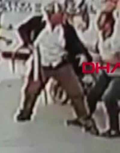 Son dakika.. Esenyurt'ta taksi durağı önünde silahlı kavga: 3 ölü, 4 yaralı