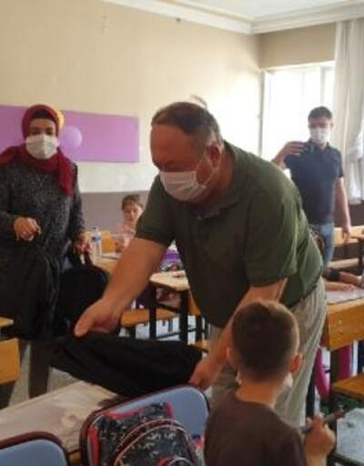 Kadirli'de ihtiyaç sahibi öğrencilere çanta ve kırtasiye yardımı yapıldı