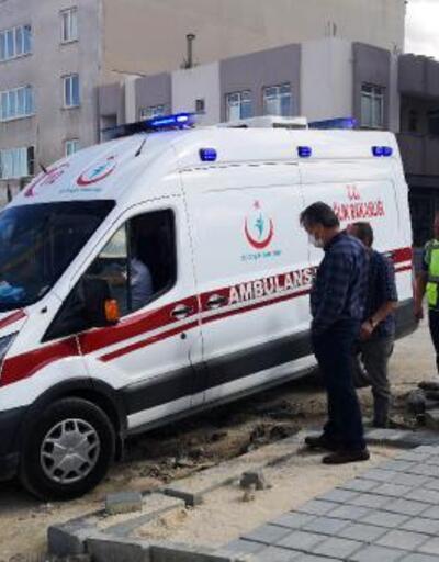 Son dakika.. Ambulansın yaralıya ulaşması için kepçeyle yol açıldı
