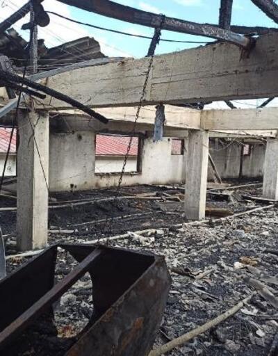 Akyazı'da tavuk kümesi yandı