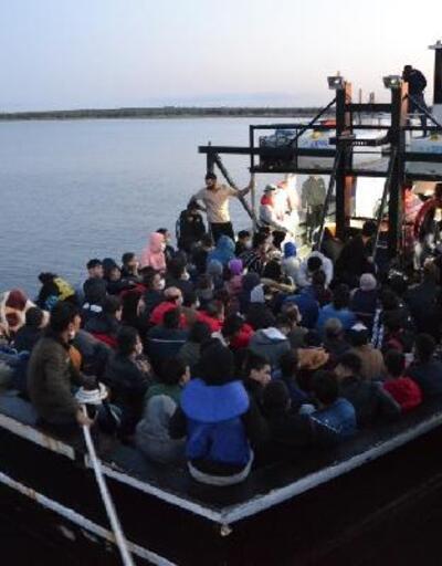 Son dakika.. Bozcaada açıklarında 144 kaçak göçmen yakalandı