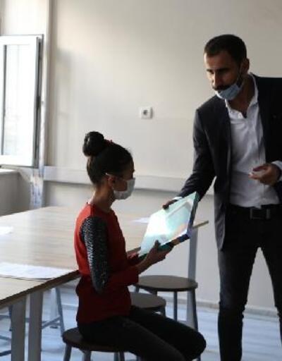 Şemdinlili İş Adamlarından uzaktan eğitime tablet desteği